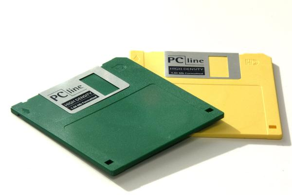 How to Get Photos Off Old Floppy Disks - DVD Your Memories